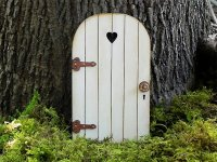 How to make a fairy door  cute ideas, materials, tips and ...