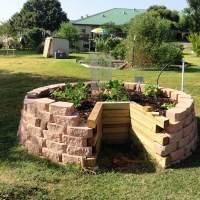Keyhole garden design  raised bed gardening ideas