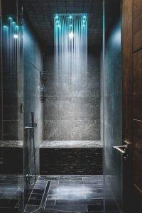 Rain shower head in modern bathrooms for ultimate bathing ...