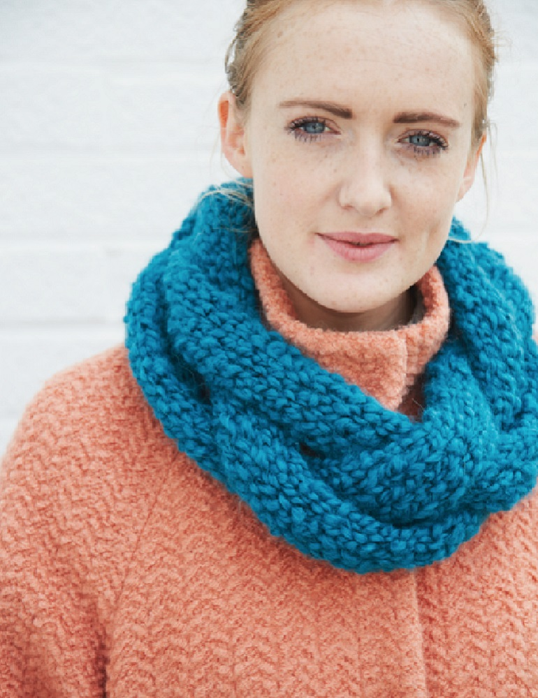 Patterns archive debbie bliss plaited cowl dt1010fo