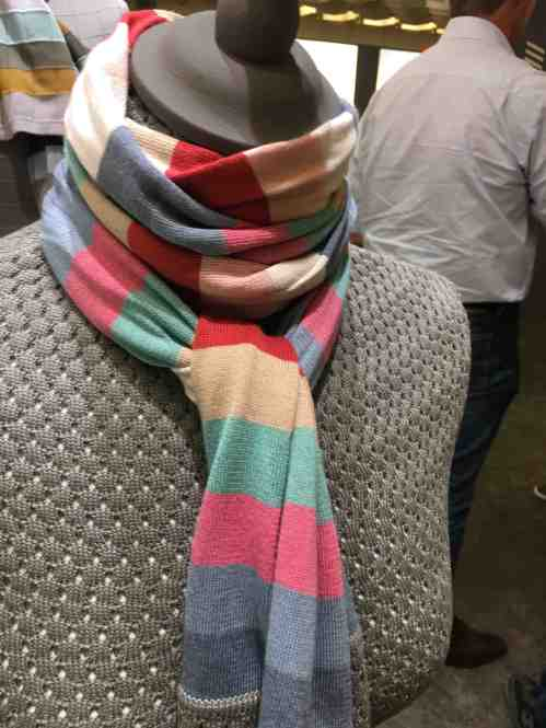 pitti scarves 1:4
