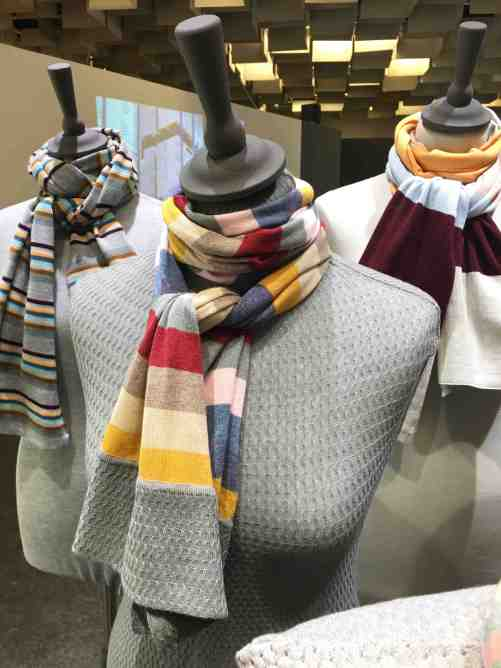 pitti scarves 2:4