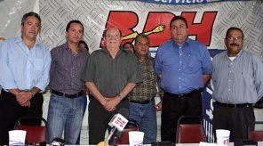Firma de convenio de radio entre Naranjeros de Hermosillo y Radio, S.A.