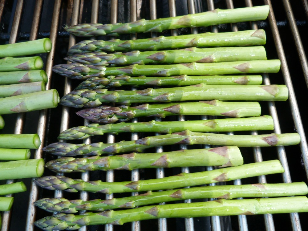 asparagus grilling