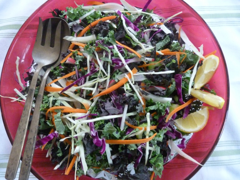 Detox Salad with tangy Lemon Dressing