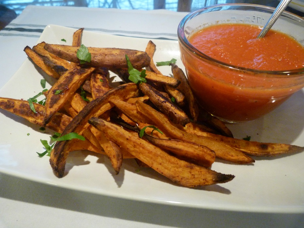 Sweet Potato Fries with Roasted Red Pepper Dipping Sauce