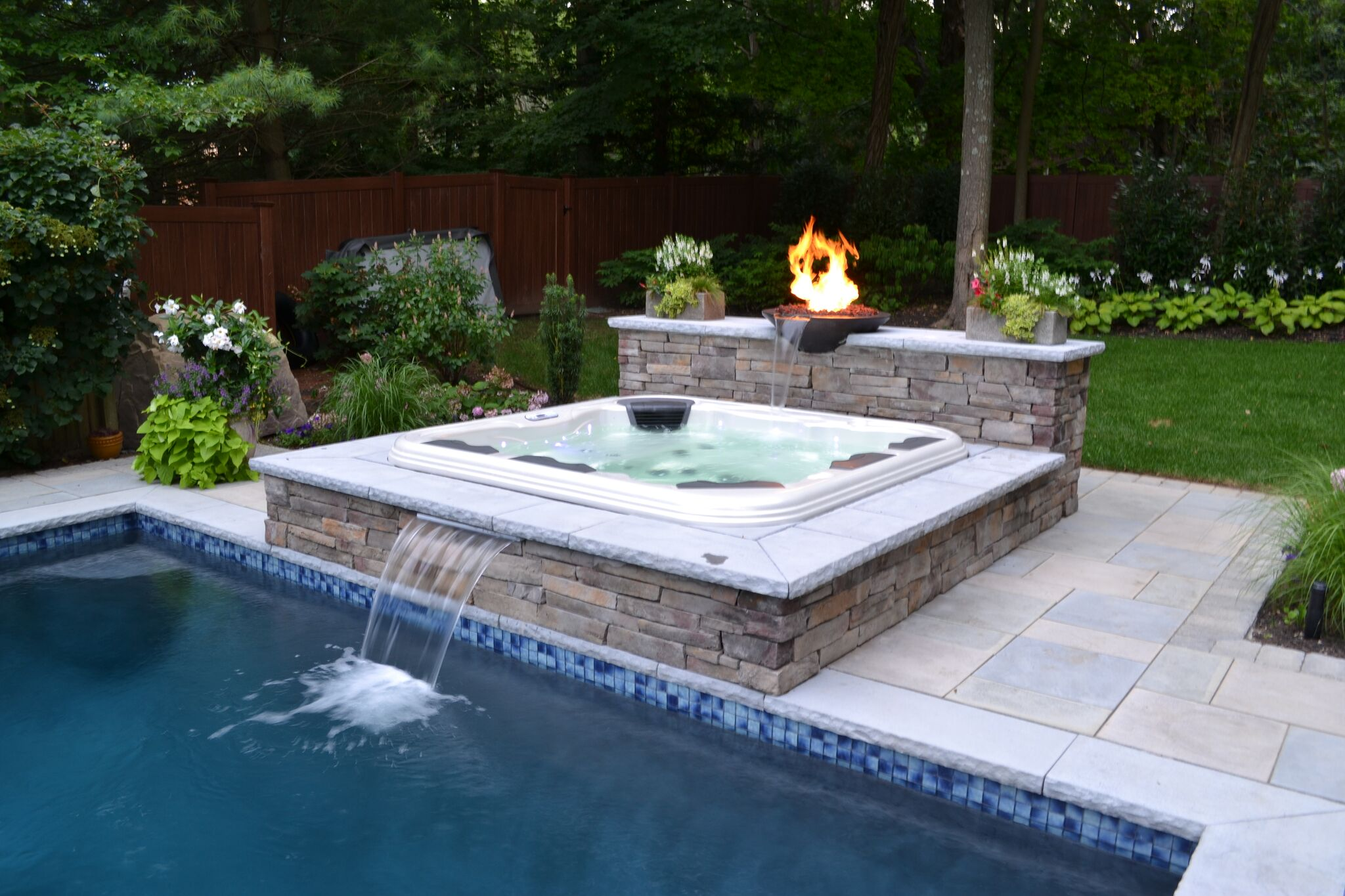 Jacuzzi In The Pool Portable Hot Tubs The Deck And Patio Company