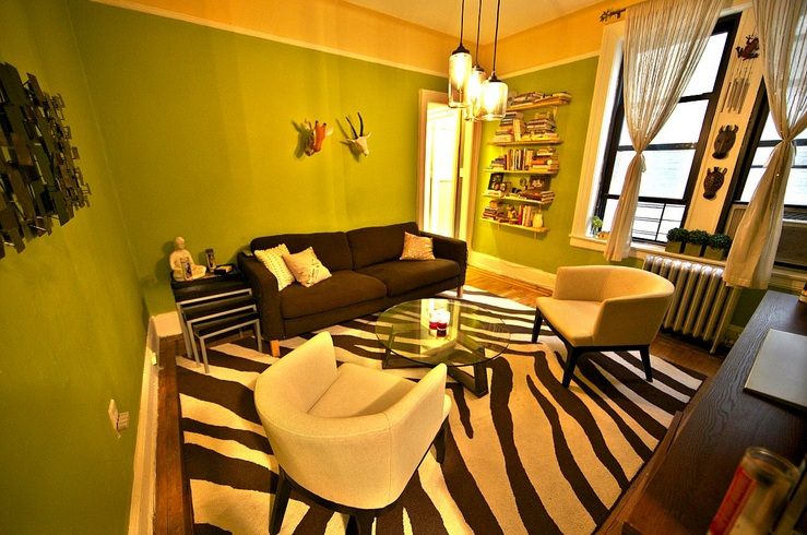 African themed living room with zebra print carpet