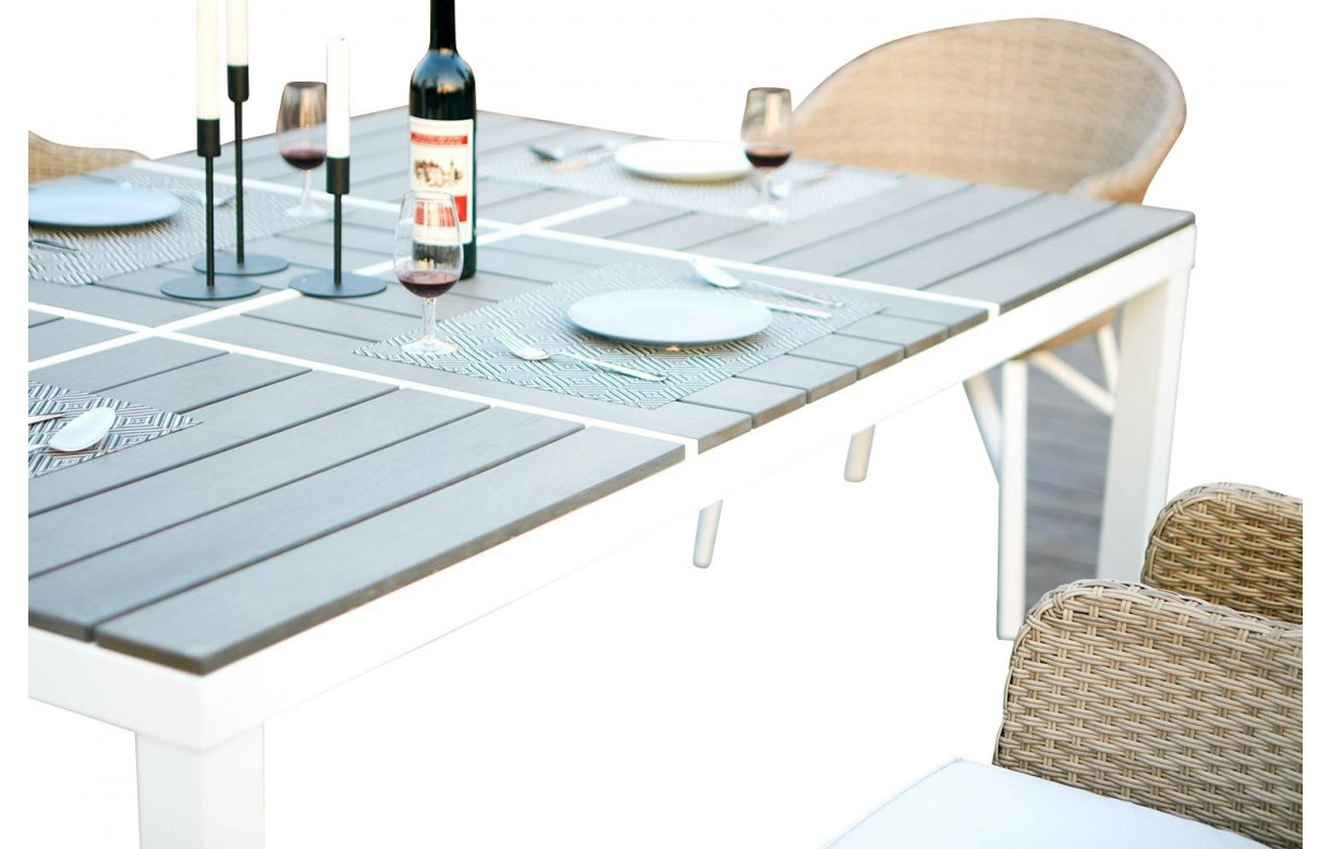 Table 6 Et 7 Table De Jardin Design Blanche Et 6 Chaises Rotin Decome