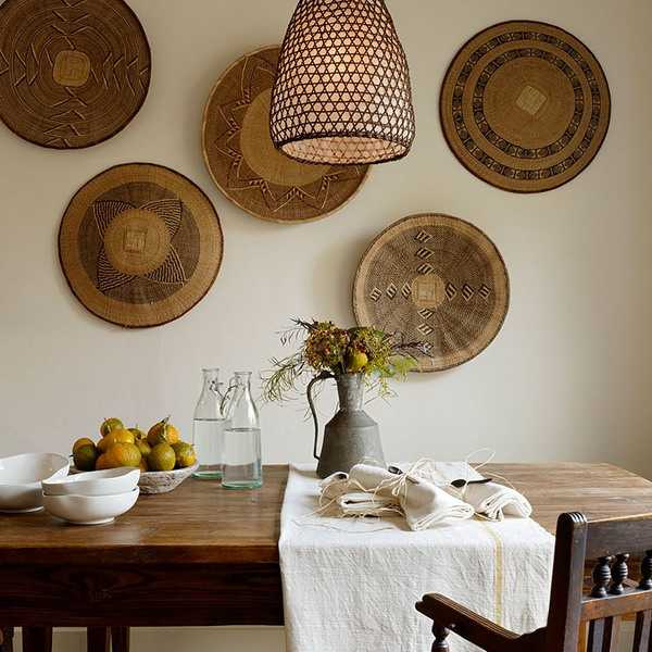 Cheap Black And White Wallpaper Modern Wall Decoration With Ethnic Wicker Plates Bowls