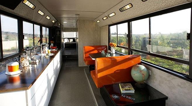 Un Viejo Autobús Convertido En Una Vivienda De Diseño