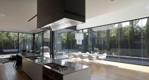 casas-contemporaneas-grandes-ventanas-herzelia-pituah-house-7