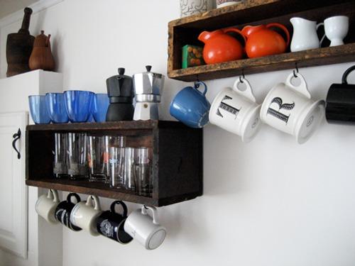 como-decorar-cocina-baldas-estantes-8