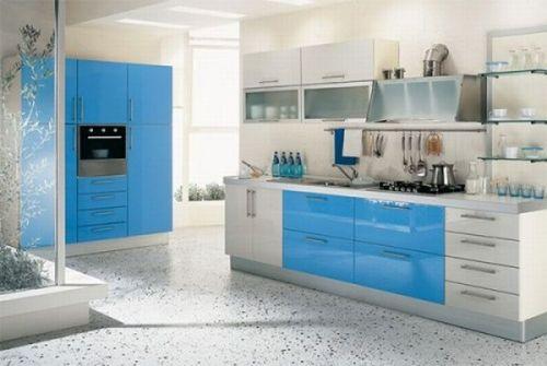 muebles de cocina en blanco y azul