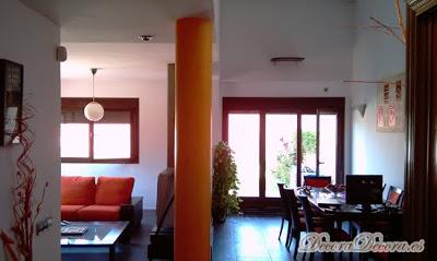C mo mejorar con color en las paredes el sal n de jaime - Como pintar las paredes del salon ...