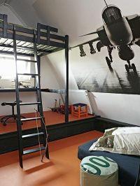 Black and White Bedroom Design For Boys