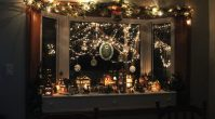 Bay Window Christmas Decorating Ideas