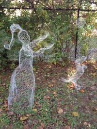 Chicken Wire Ghost Decoration Ideas