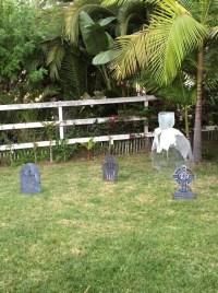Chicken Wire Outdoor Halloween Decorations