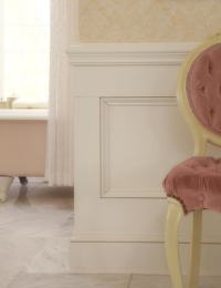 victorian-bathroom-with-wainscoting