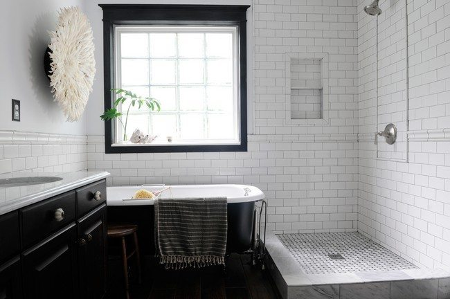 Black And White Tile Bathroom Vintage - Inspired Bathroom - Decor Around The World