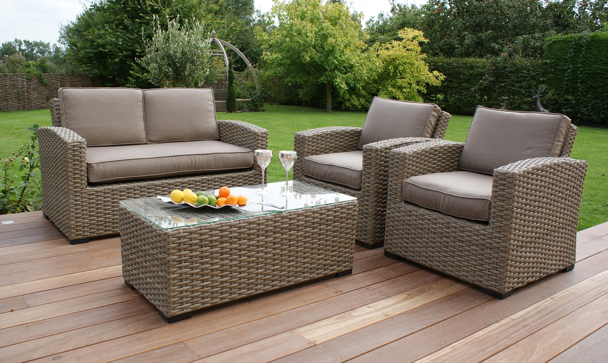 Give Your Patio A New Look With Rattan Patio Furniture Decorifusta - Garden Furniture Clearance B M