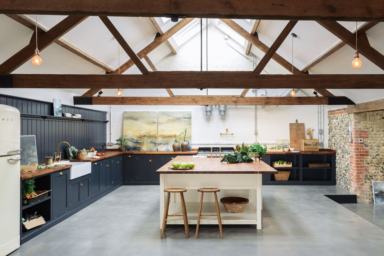 Amazing Kitchens Designs Cattle Shed Turned Amazing Kitchen Decorology