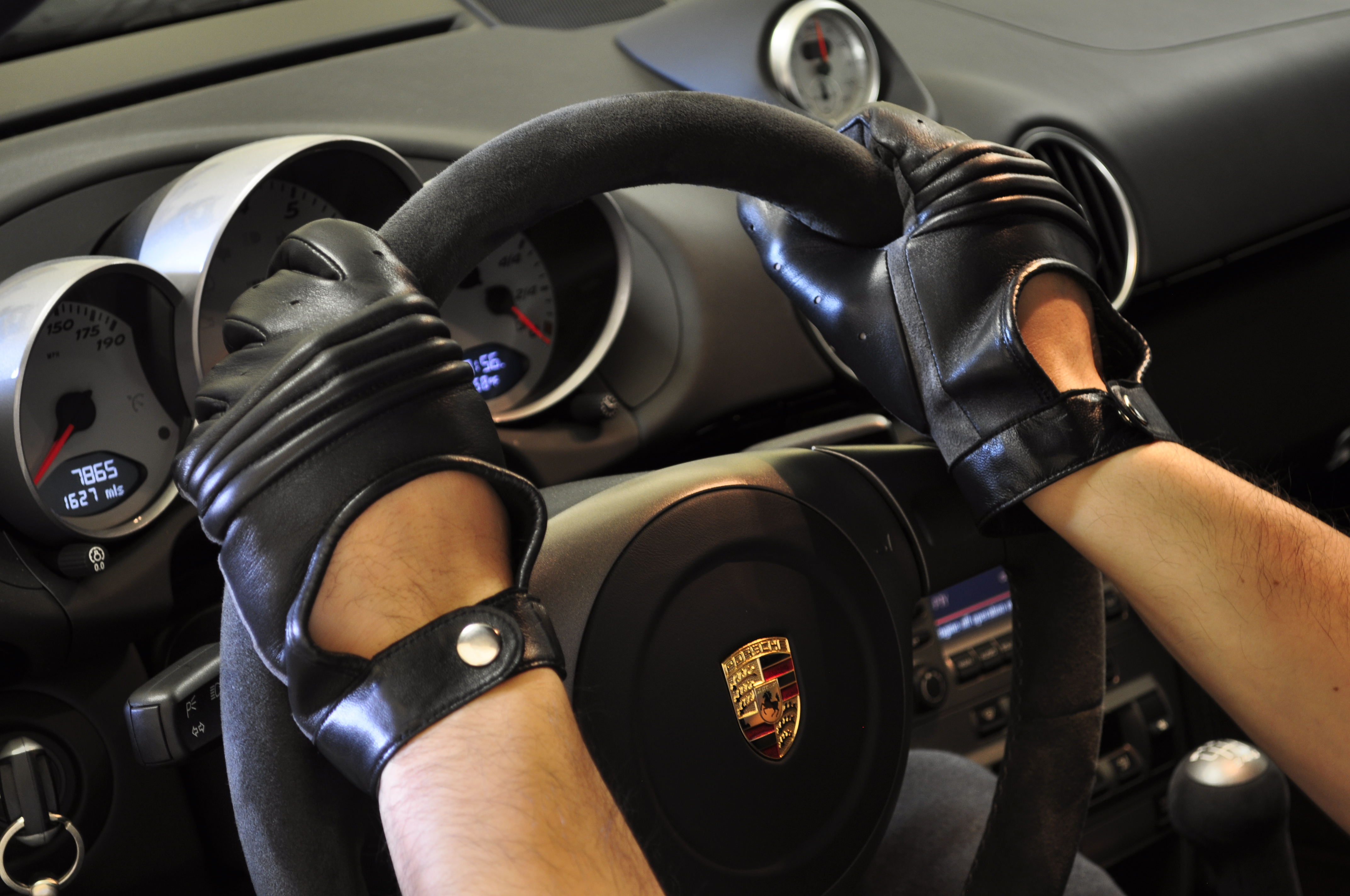 Whether you are cruising in your sports car sitting in traffic in your commuter car or even just riding your bike down the street these gloves will look