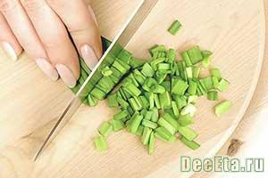 нарезанный зеленый лук