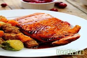 Жаренная рыба в клюквенном соусе