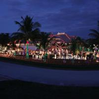 Famous Florida Christmas Light Display Faces More Opposition