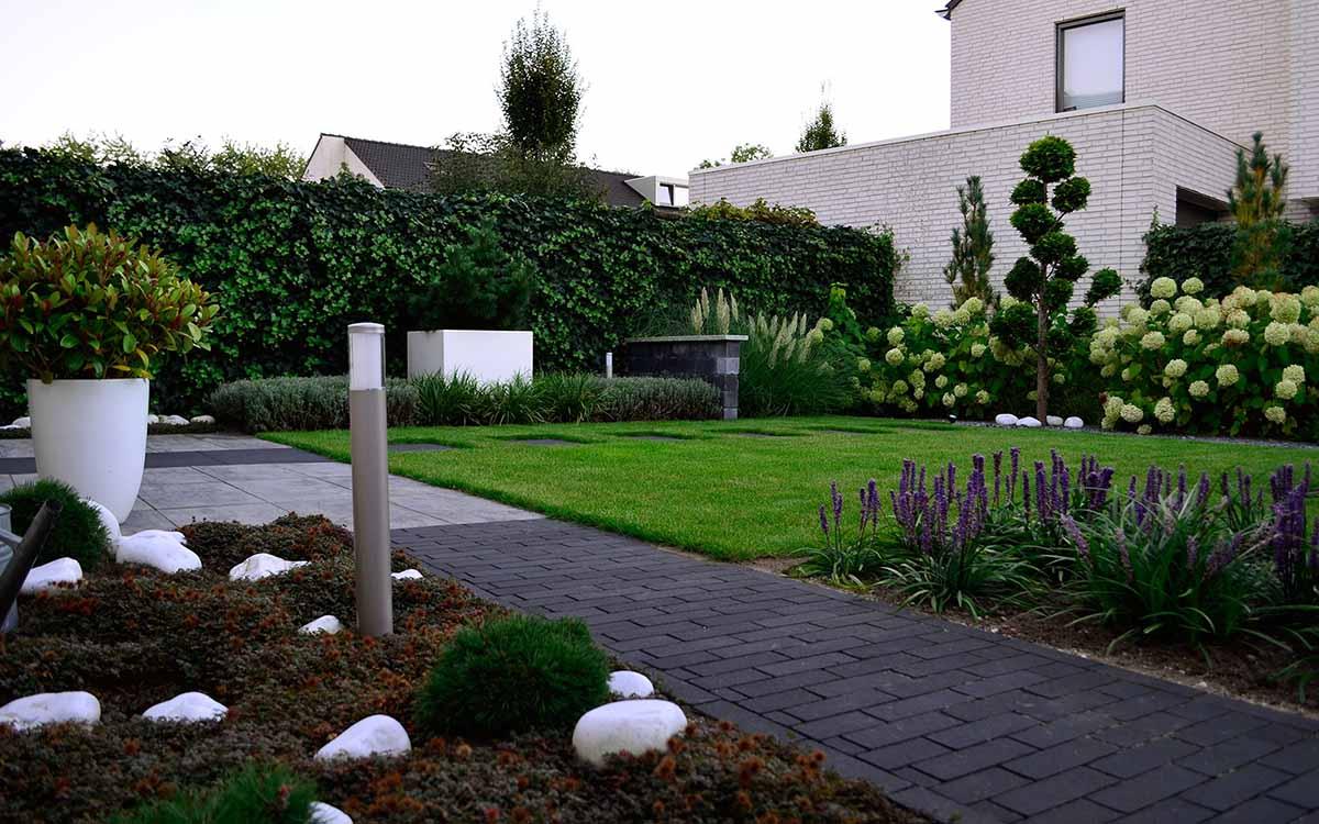 Moderne tuinen moderne tuin ontwerpen met deze ideeën
