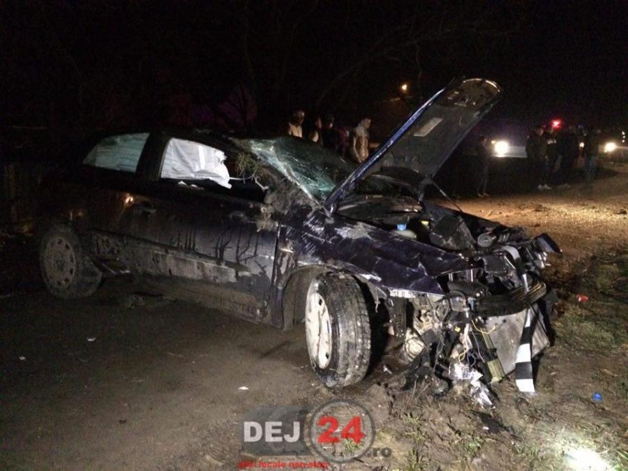 accident Cristestii Ciceului masina in stalp (1)