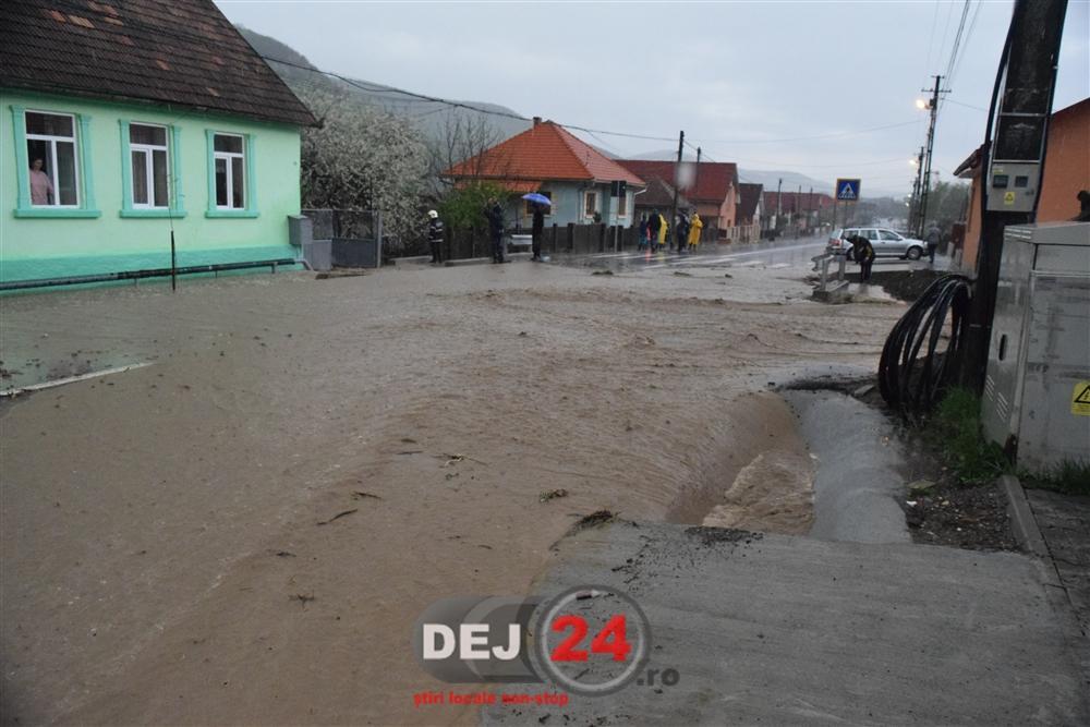 [Imagine: Inundatii-Viile-Dejului-2.jpg]