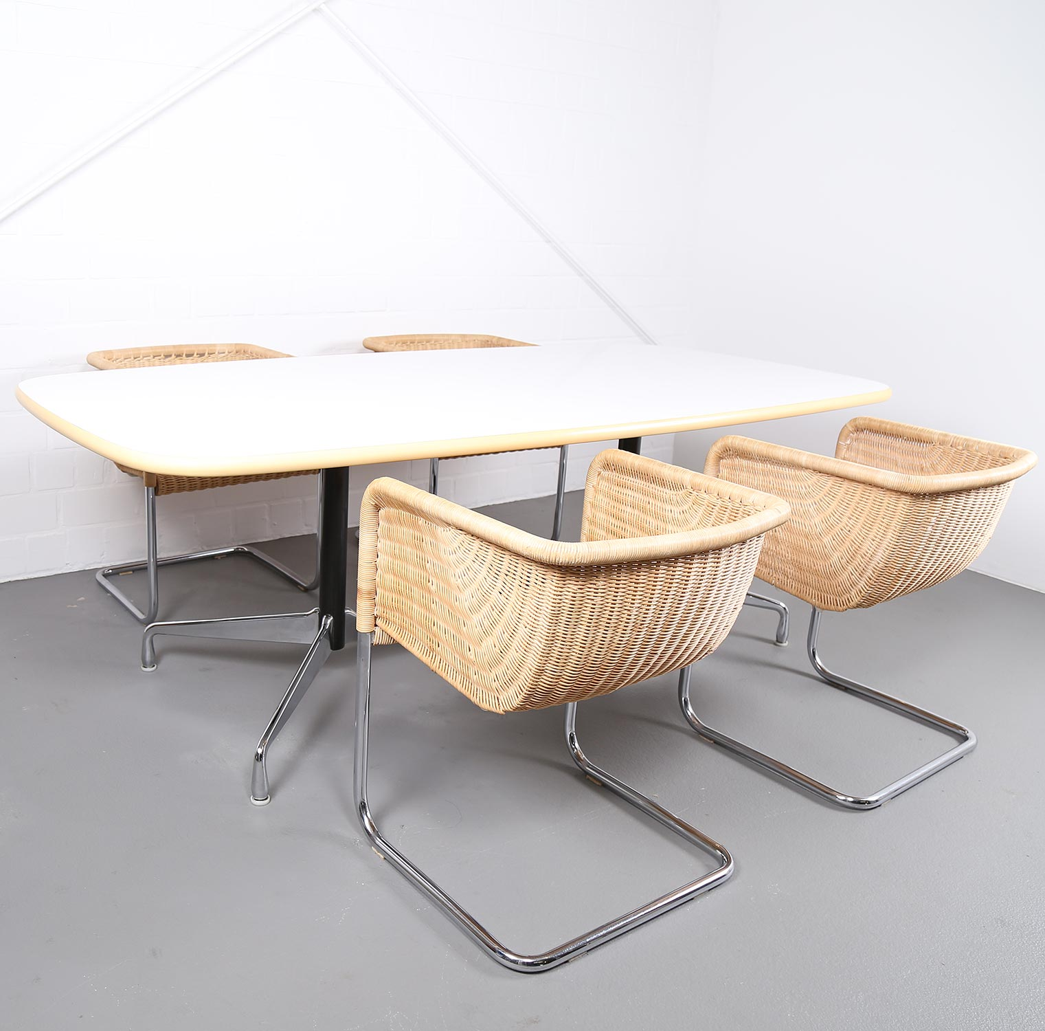 Eames Tisch Segmented Table Konferenztisch Esstisch Ray Charles Eames For