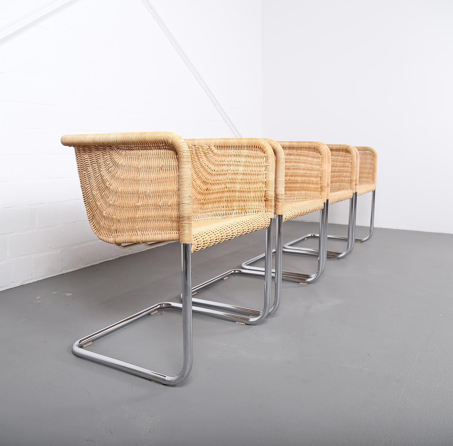 Bauhaus Chairs D43 Stahlrohr Freischwinger By Tecta Tubular Steel And Wicker Dekaden