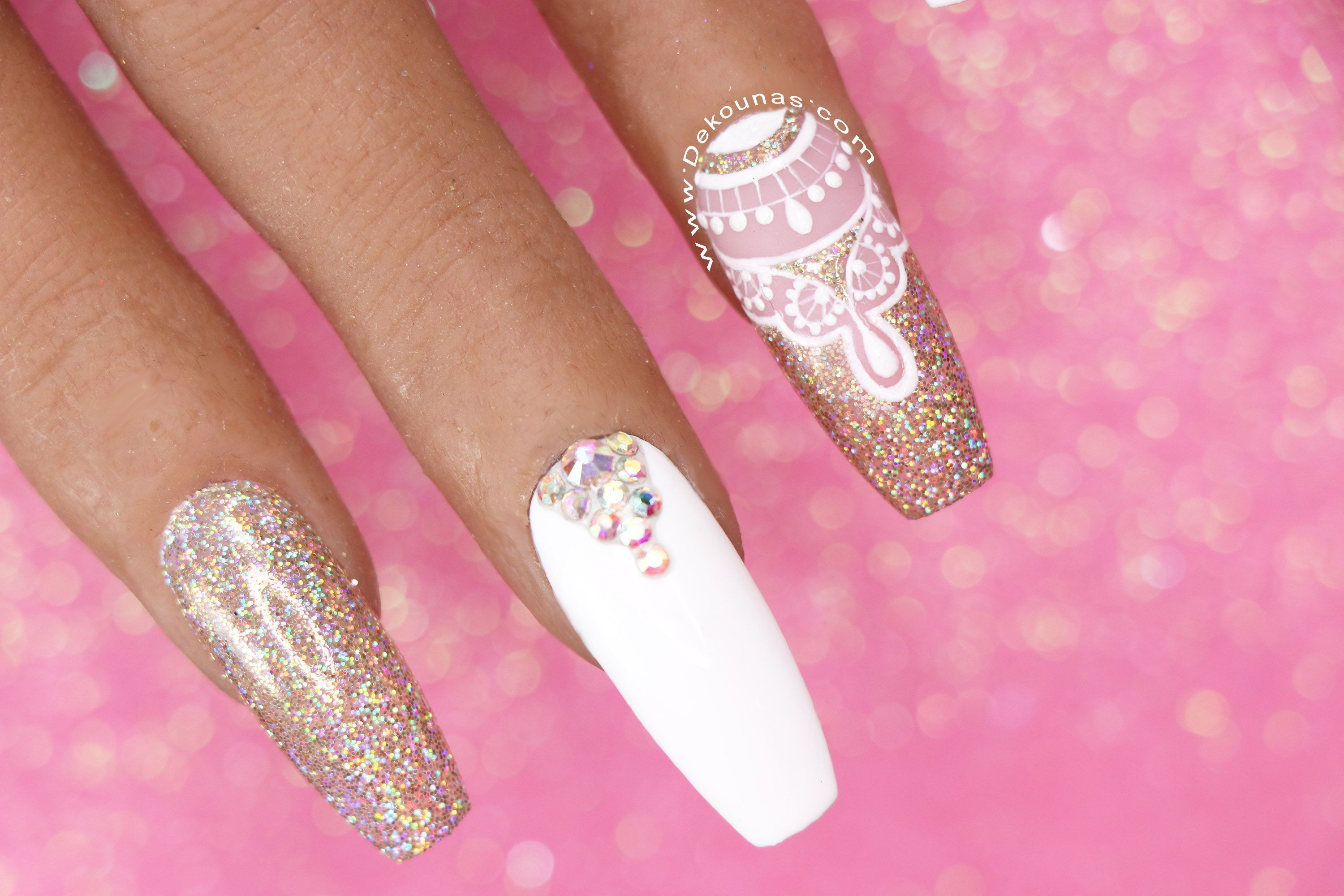 Uñas Coffin blancas2