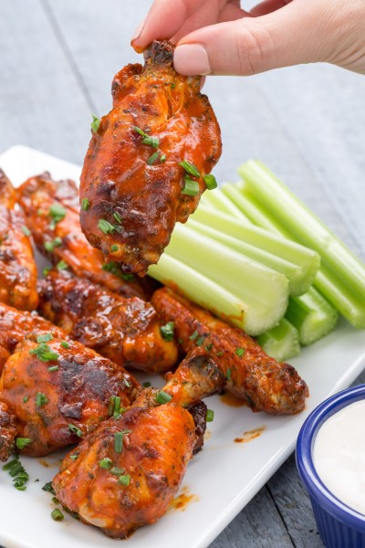 5 Crock Pot Chicken Wings Recipes - How to Make Slow Cooker Wings - - Delish.com