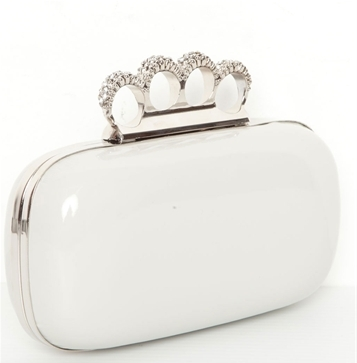 Trend Alert: Knuckle Clutches (6/6)