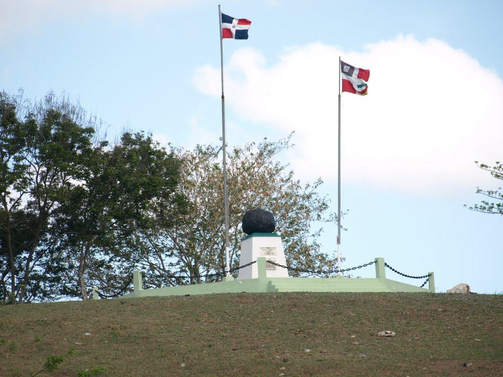 MONUMENTO BATALLA PALO HINCADO
