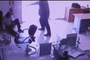 Video muestra frialdad de asaltante disparó a vigilante banco en La Vega