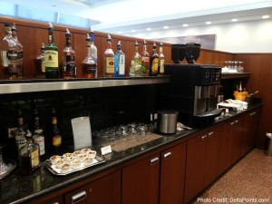 Food and drink choices united global first class lounge chicago ord delta points blog (1)