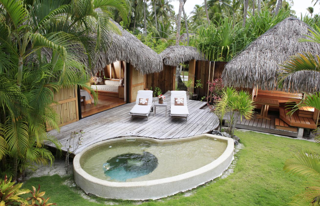 Pearl beach resort bora bora deluxe escapesdeluxe escapes for Garden pool bungalow