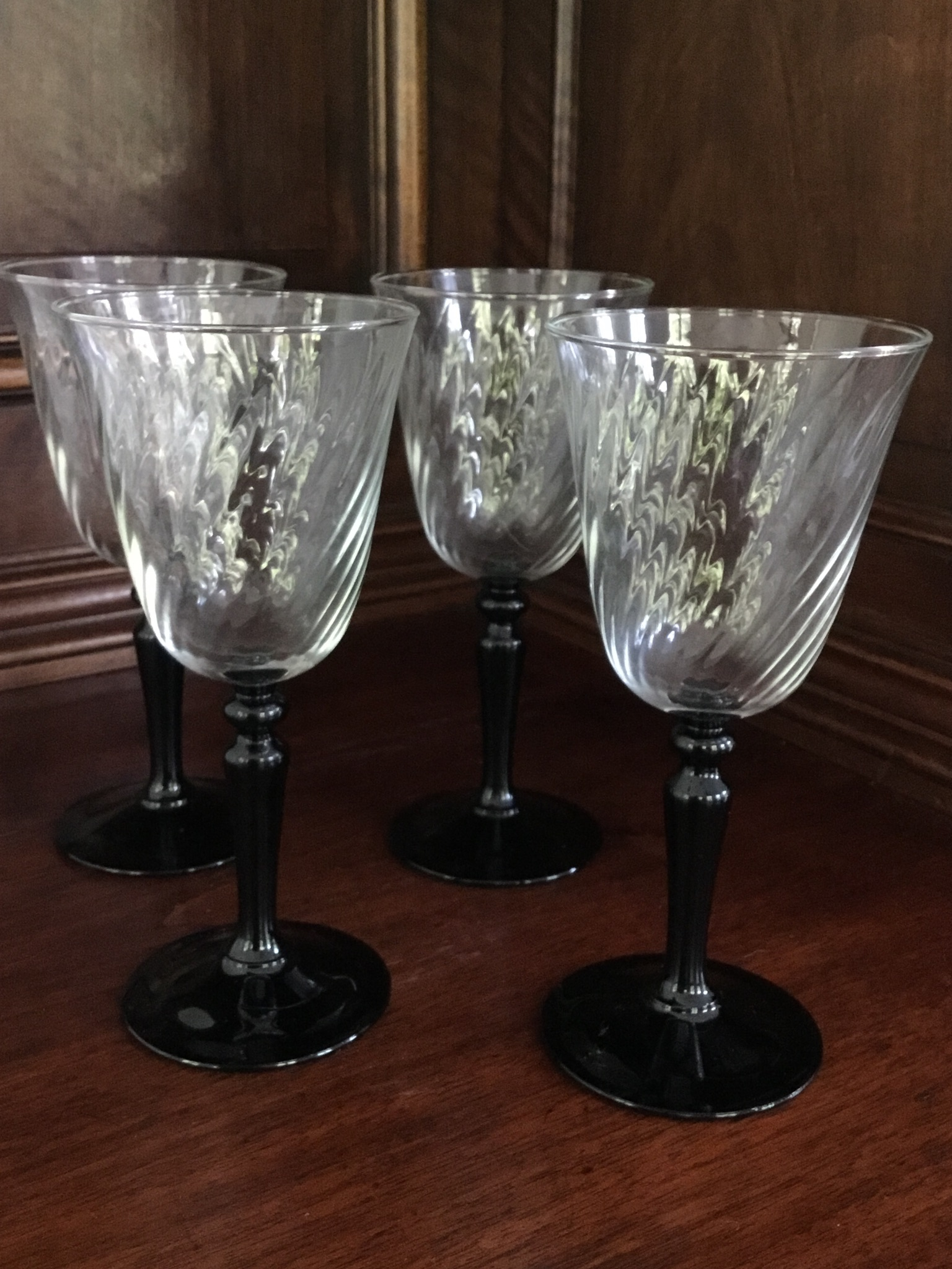 Wine Glasses With Black Stems Black Stem Wine Glasses Set Of 4