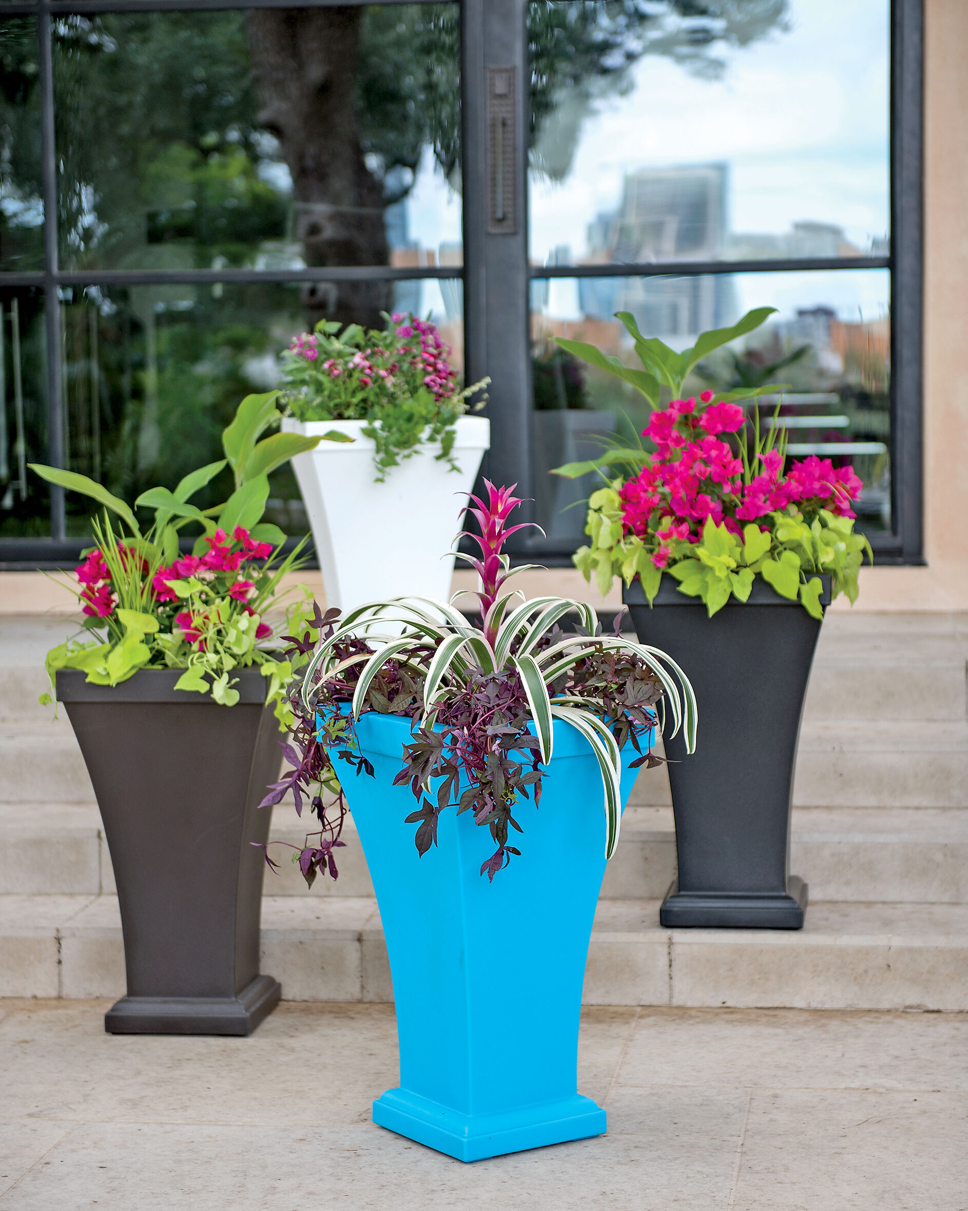 Self Watering Outdoor Planters Self Watering Planters Flower Pots And Containers