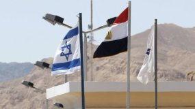 """وزارة الدفاع الإسرائيلية تستكمل """"الجدار الأمني"""" على حدود مصر بوضع أجهزة إنذار إلكترونية"""