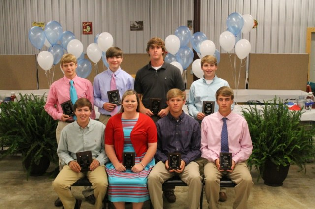 Golf seated - Chandler Thompson, Molly Hale, Matt Hale, Brad Aldridge. standing - Zack High, Chance Weathers, Ryne Stanford, Thomas Wall.