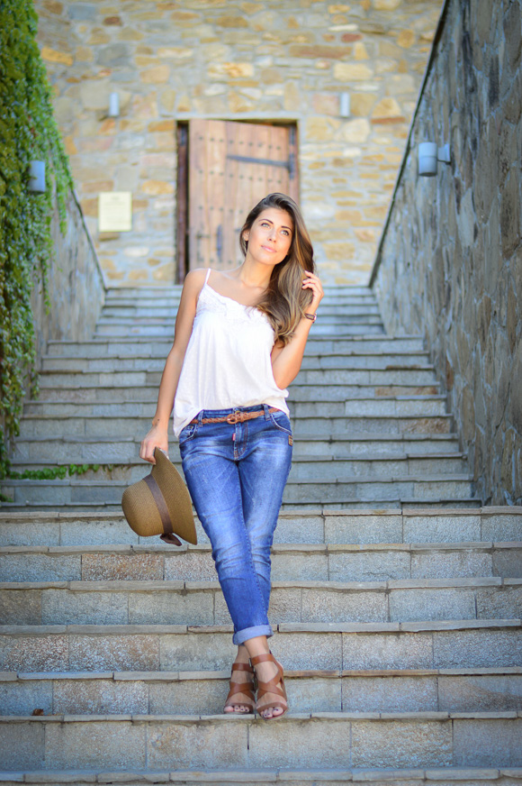 Bulgarian fashion blogger Denina Martina at Chateau Copsa