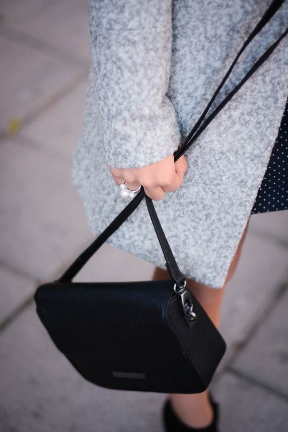 Grey-Coat-Trend-Fashion-days-Denina-Martin-5