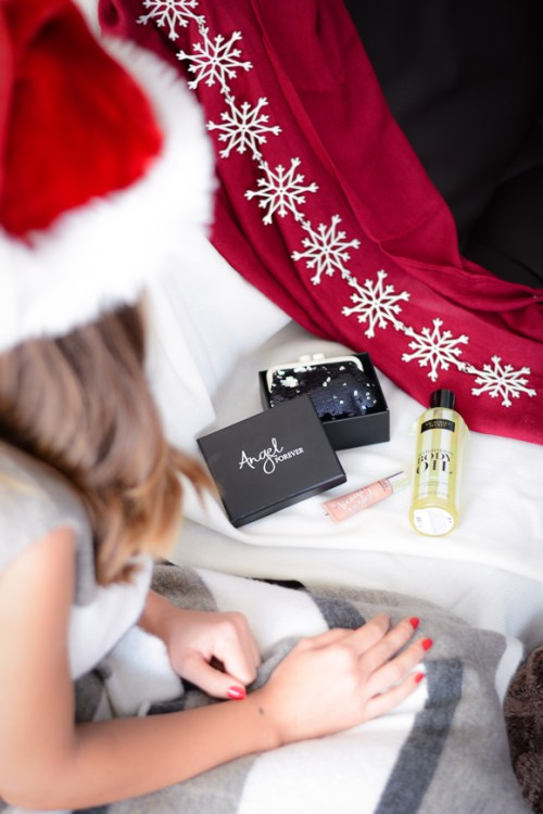 Victorias-Secret-Sexy-Secret-Christmas-Giveaway-Denina-Martin-1